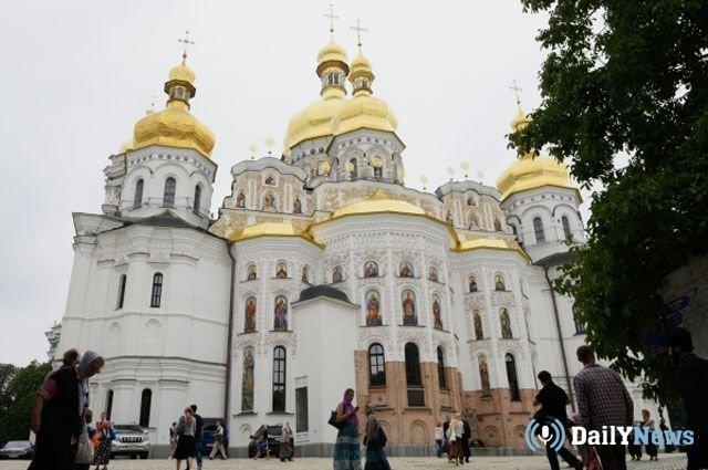Русская православная церковь не обязана и не будет подчиняться Константинополю