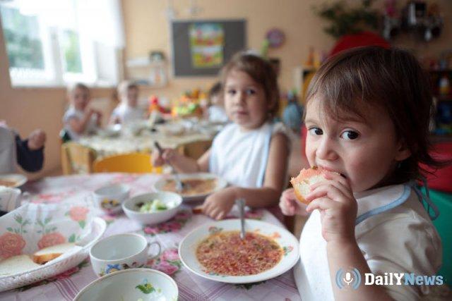 Работников детского сада в Челябинске обвиняют в воровстве детской еды