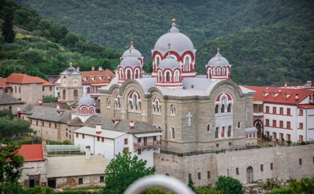 Православным россиянам запретили молится в храмах Константинопольской патриархии