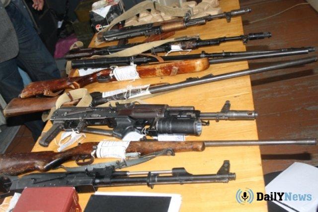 Сотрудники ФСБ приостановили деятельность нелегальных оружейных мастерских