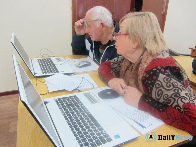 В Министерстве труда сообщили о разработке программы по обучению пенсионеров