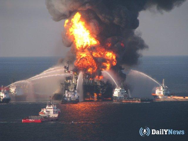 На территории Керченского пролива продолжается горение кораблей