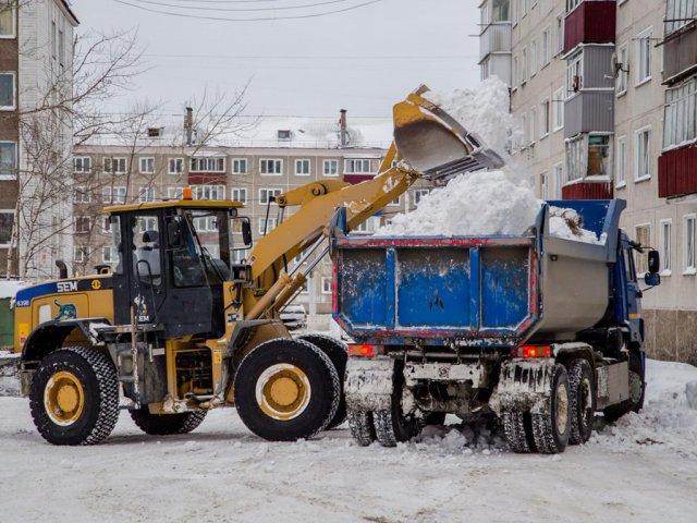 Жители Омска пожаловались на недобросовестную работу коммунальных служб