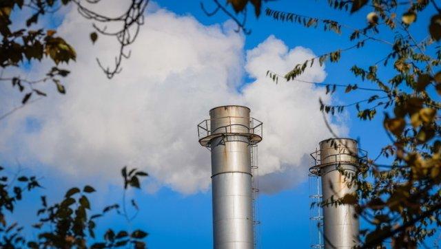 Промышленные предприятия Омска начнут контролировать выбросы