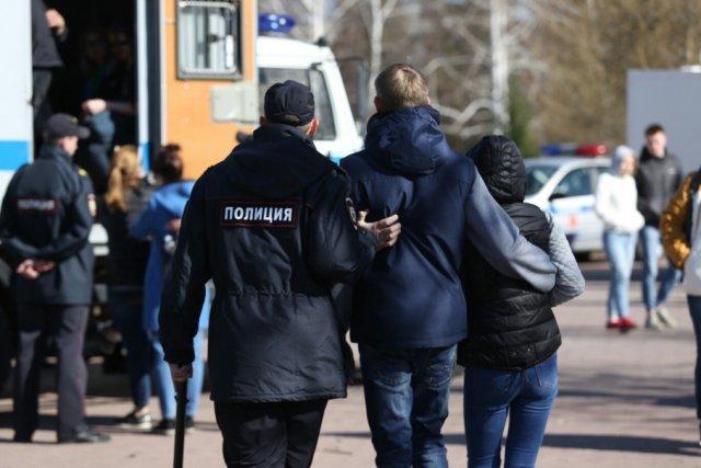 Трое подростков из Курска признаны виновными в похищении человека и вымогательстве