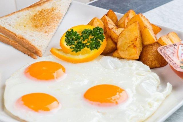 Австралийский диетолог дал рекомендации по составлению правильного завтрака