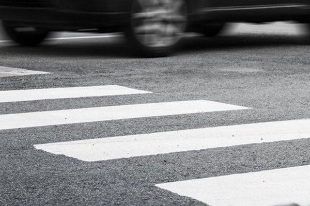 В Омске разыскивают местного жителя, который сбил ребенка на пешеходном переходе