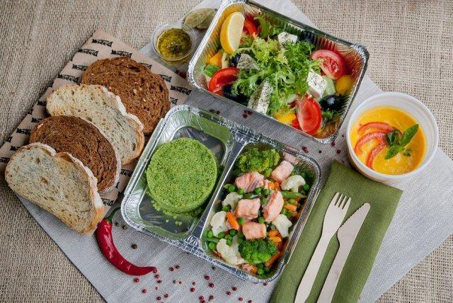 Эксперты рассказали о способах разнообразить питание, чтобы сделать его более здоровым