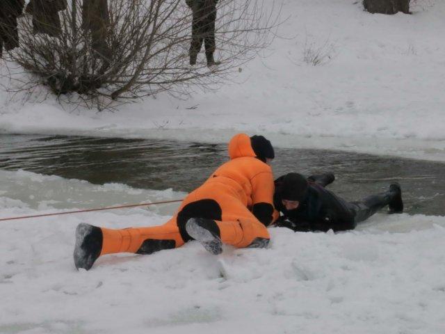 В Волгоградской области ребенок погиб, провалившись под лёд
