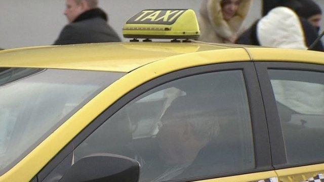 Жительница Москвы пыталась обвинить в изнасиловании таксиста
