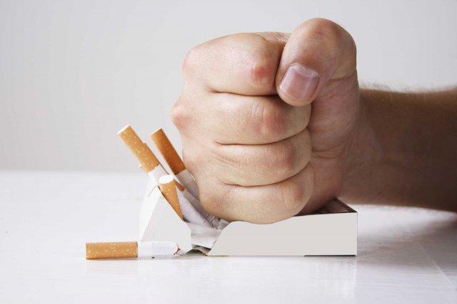 Нарколог дал рекомендации о том, как бросить курить