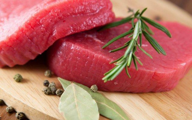 Врачи рассказали о пользе и вреде красного мяса е
