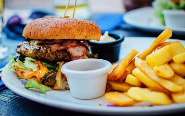Топ самых вредных продуктов для здоровья печени по мнению врачей