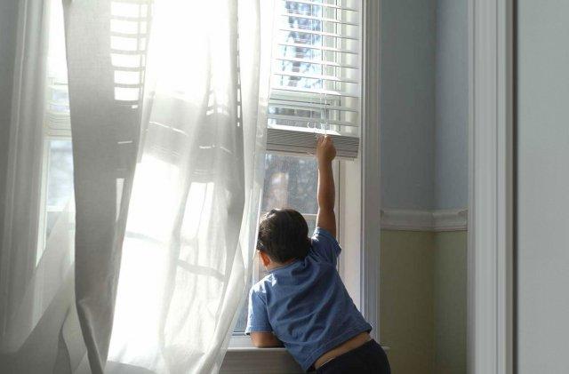 В Липецке ребенок погиб, выпав из окна квартиры на 6 этаже