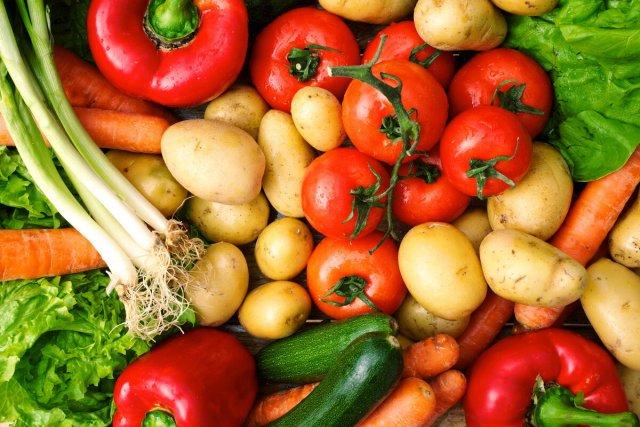 О том, какие продукты рекомендуется есть с кожурой, рассказал специалист