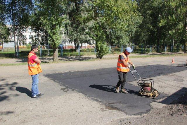 Работы по восстановлению дорог к школам начались в Иркутской области