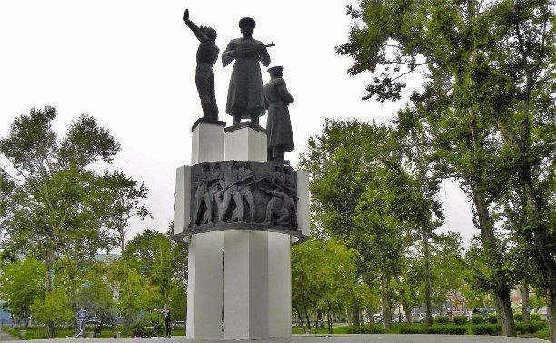 Реконструкция сквера Пограничников проводится в Южно-Сахалинске