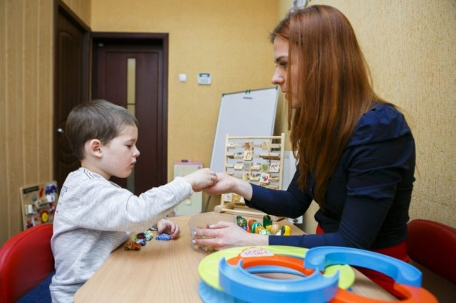 В Госдуме выступили с предложением о предоставлении нянь для многодетных семей