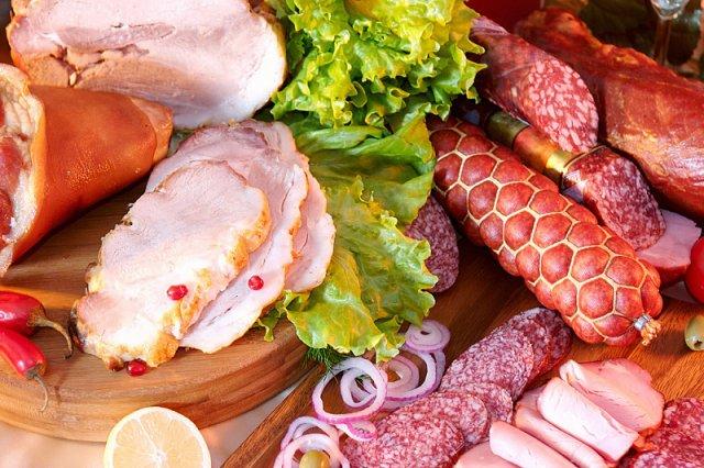 Эксперт рассказал о продуктах, которые нужно исключить из рациона после 30 лет