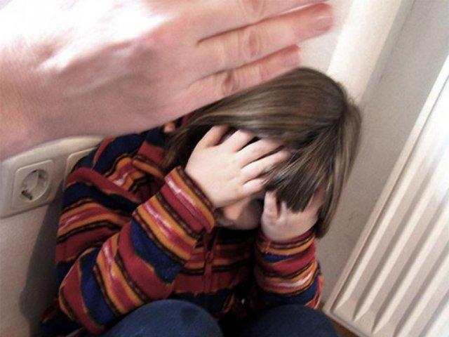 Жительницу Татарстана обвиняют в избиении дочери-подростка