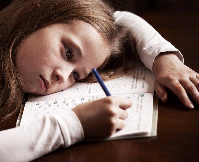Психологи рассказали, почему дети теряют мотивацию к учёбе