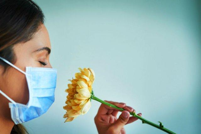Медик рассказал о вероятных причинах потери обоняния помимо коронавируса
