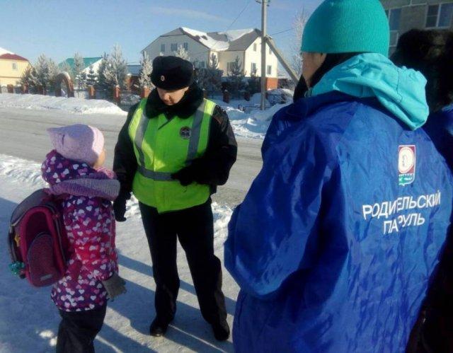 На период каникул в ХМАО начали дежурство родительские патрули