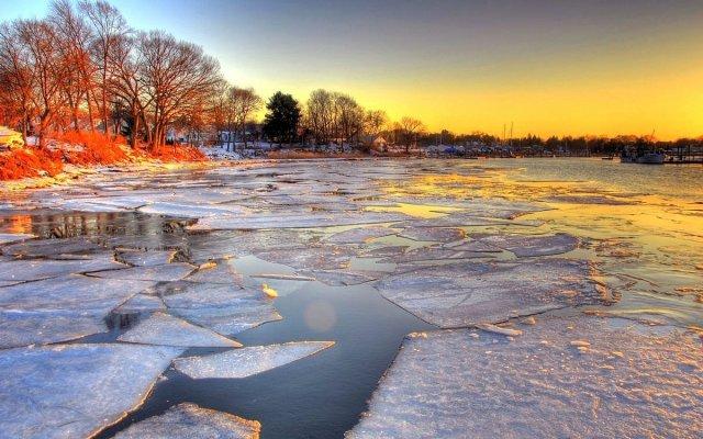 В МЧС напомнили о правилах безопасности на льду
