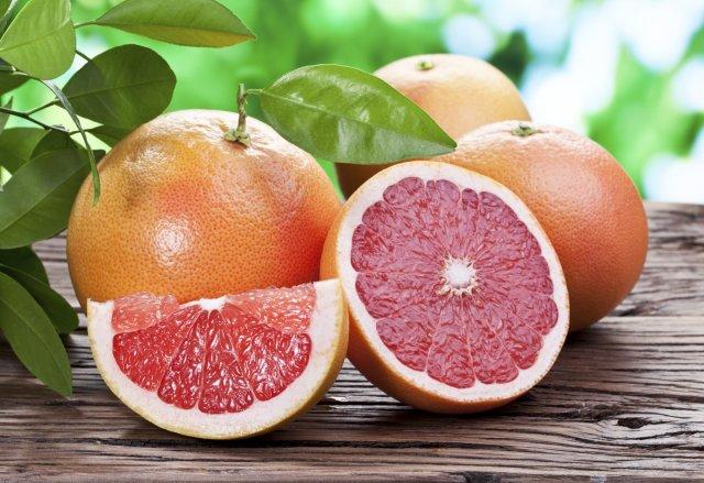 Людям, больным раком или коронавирусом не рекомендуется употреблять в пищу грейпфрут