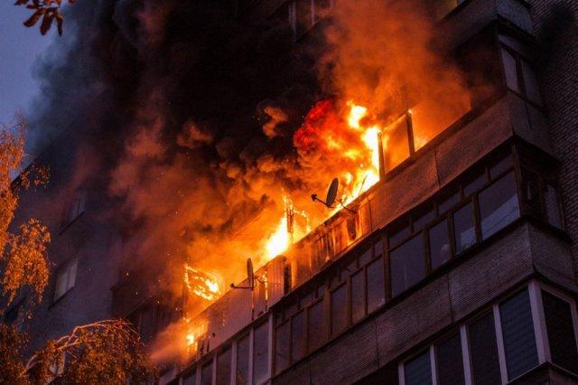 В Пермском крае многодетная мать и очевидцы спасли 5 детей при пожаре