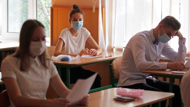 В Правительстве РФ сообщили об упрощении сдачи экзаменов в 2021 году