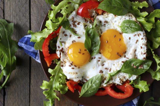 Врачи назвали блюда, которые помогают снизить уровень холестерина