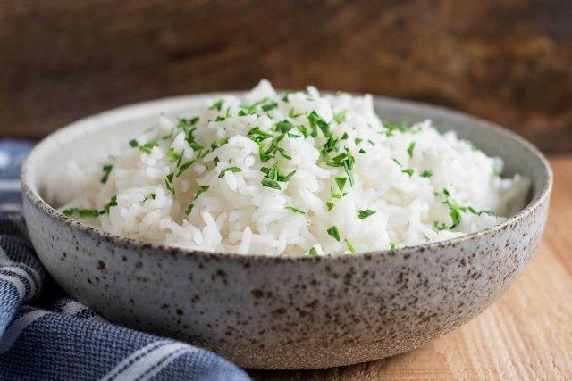 Врач порекомендовал не отказываться от риса даже тем, кто на диете